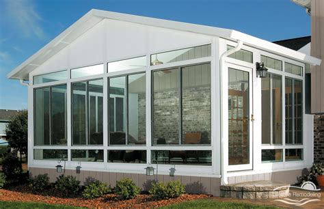 Sunrooms  Glass Windows Vs Acrylic Windows For Florida