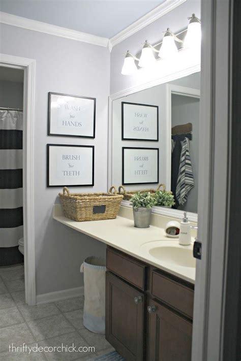 Simple Bathroom Makeovers by Best 25 Simple Bathroom Makeover Ideas On