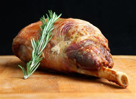 cuisiner un gigot d agneau 10 astuces pour réussir gigot d agneau cuit au four