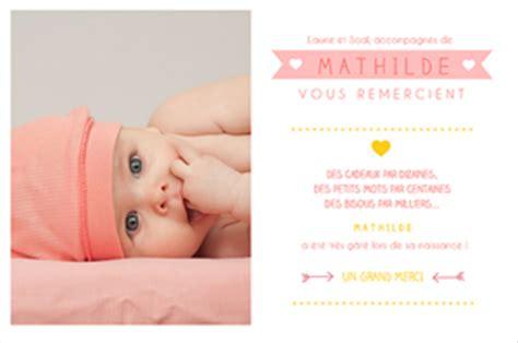 robe de chambre bébé fille quand envoyer vos remerciements suite à la naissance de bébé