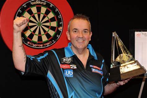 premier league darts  ready   darting