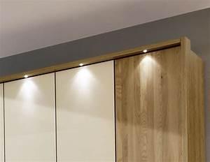 Kleiderschrank Mit Glastüren : licht im schrank die sch nsten einrichtungsideen ~ Whattoseeinmadrid.com Haus und Dekorationen