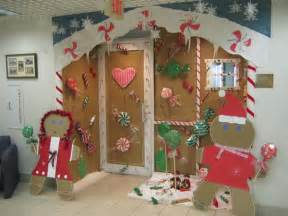 miscellaneous christmas door decorating contest pictures candy ornamental christmas door