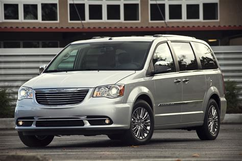 chrysler town country consumer guide auto