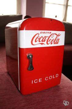 frigo de bureau 1000 idées sur le thème mini frigo sur chambre