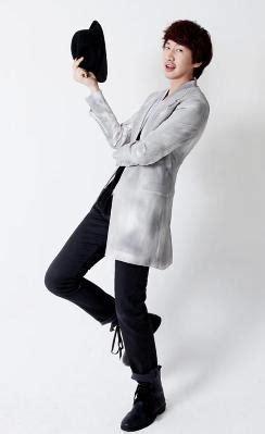 李光洙(이광수,lee kwang soo),常错译为李光秀或李光修。 韩国演员、模特。 1985年7月14日,出生于韩国京畿道南扬州。 李光洙(韩国男演员、模特) - 搜狗百科