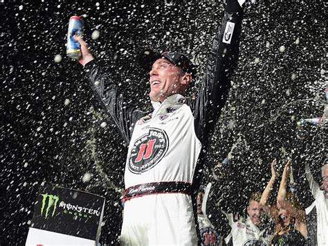 Kevin Harvick unstoppable in drive to Atlanta victory ...