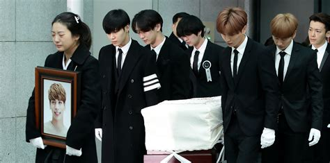 shinee swimsuit jonghyun s funeral attended by his shinee bandmates