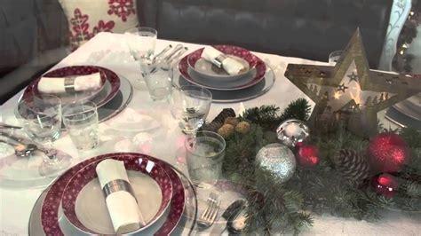 Tischdekoration Für Weihnachten Stimmungsvoll In Rotgold