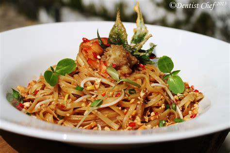 pad thai shrimp rice noodle recipe popular thailand