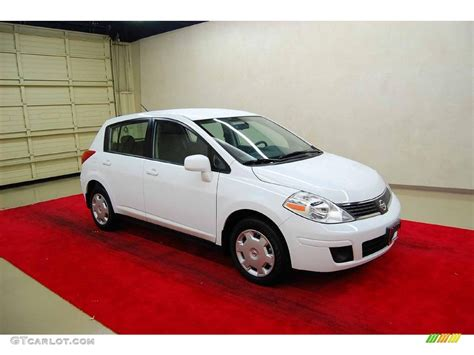 nissan 2008 white 2008 fresh powder white nissan versa 1 8 s hatchback