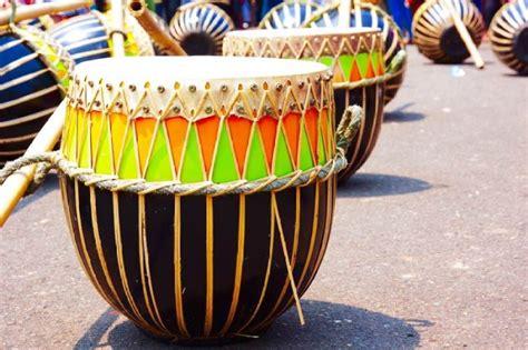 Alat musik ini memiliki ciri khas sebagai alat. 44 Gambar Alat Musik Tradisional Indonesia Serta Daerah ...