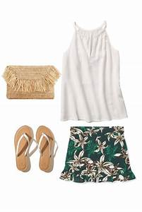5 Summer Outfit Ideas That Have a Fabulous Island Vibe | Mom Fabulous