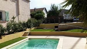 pourquoi choisir du gazon synthetique autour de la piscine With gazon synthetique autour d une piscine