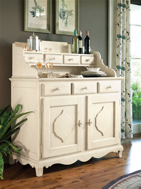 Paula Deen Sideboard by Paula Deen Sideboard And Hutch In Linen Traditional