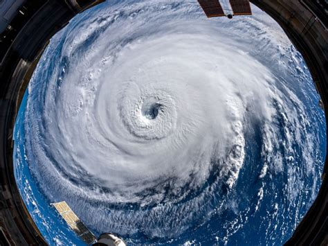 hurricane florence  space chilling images show