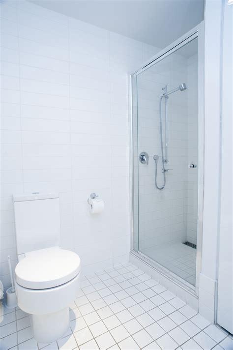 image  interior   clean fresh white bathroom