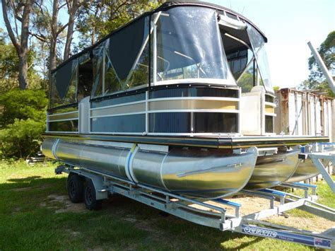 Bay Pontoon Boats by 25ft Luxury Fishing Pontoons Runaway Bay Pontoon Boats