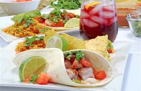 Cook for 4 more minutes. Tacos de cerdo sorbrantes (Leftover Pork Tacos) Recipe ...