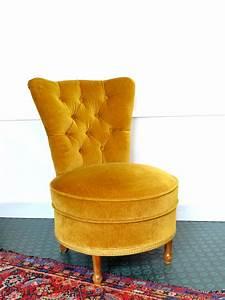 Petit Fauteuil Confortable : petit fauteuil crapaud velours r tro vintage brocnshop ~ Teatrodelosmanantiales.com Idées de Décoration