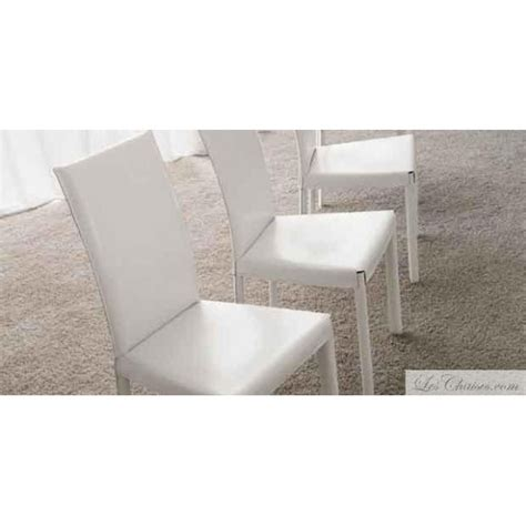 chaise de cuisine en cuir blanc chaises cuir blanc flina et chaise en cuir midj design