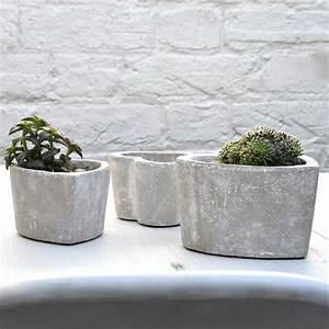 Formen Für Beton : pflanzk bel in verschiedenen formen und farben ~ Markanthonyermac.com Haus und Dekorationen