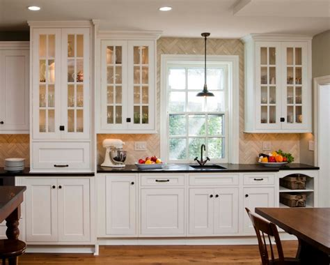 A Guide To The Most Popular Types Of Kitchen Cabinet Doors