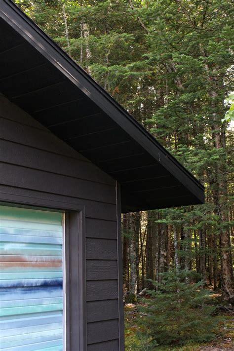 garage makeover diy painted soffit  fascia dans le
