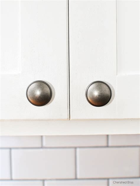 easy way to hang cabinets how to install cabinet hardware and get it straight