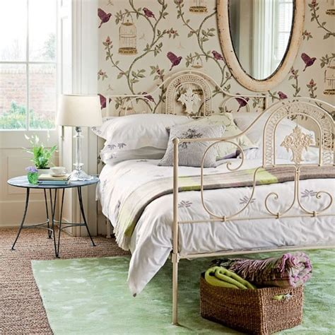 Bedroom Wallpaper Country by Be Inspired By Bird Wallpaper Cosy Country Bedrooms 10