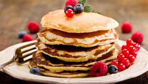 Amerikāņu pankūkas laiskām brīvdienu brokastīm - DELFI