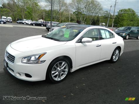 white nissan 2009 nissan maxima 3 5 sv in winter frost white 837515