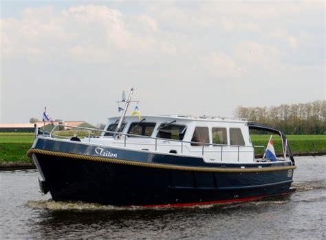 Platbodem Huren Lauwersmeer by Triton Boat Charter Holland
