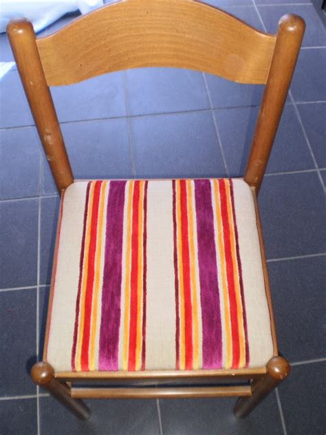 recouvrir une chaise comment recouvrir une assise de chaise byseverine