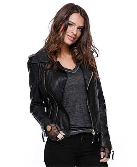 why fashionable womens leather coats are still famous