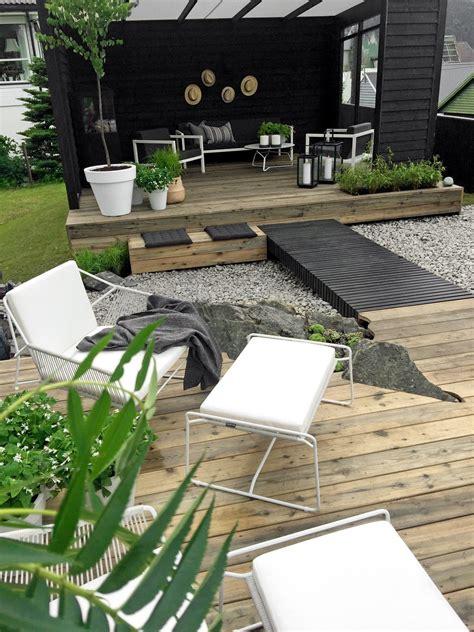 moderne dynamische tuin met hoogteverschillen inrichting