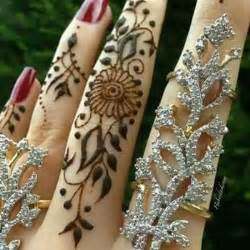 Latest Mehndi Design 2017
