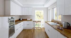 Küche Sideboard Mit Arbeitsplatte : ger umige k che mit zwei zeilen wei e hochglanz fronten und holz arbeitsplatte k che ~ Sanjose-hotels-ca.com Haus und Dekorationen