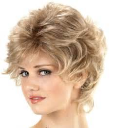15 Unbelievably Cute Layered Hairstyles for Round Faces : CircleTrest