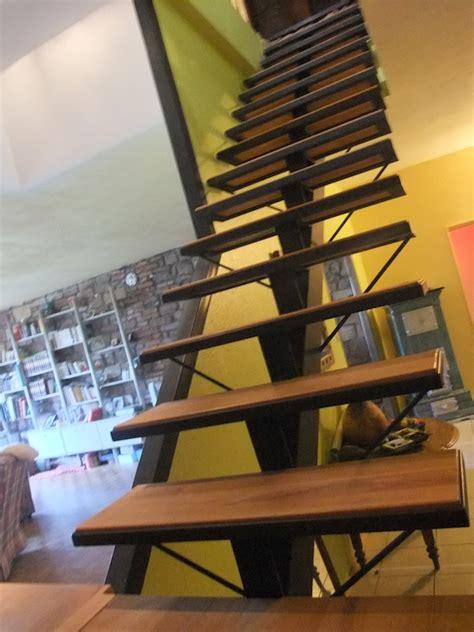 escalier m 233 tal limon central avec palier de rangement metal concept escalier ferronnerie d