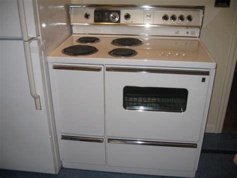 retro kitchen islands linoleum floors and countertops brighten up dave frances 1938