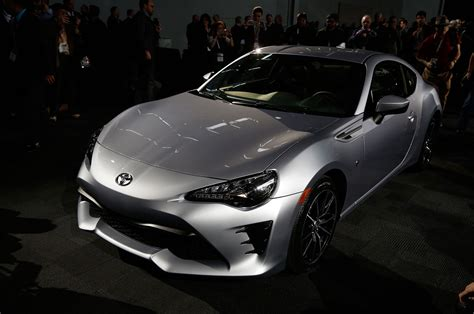 toyota new 2017 2017 toyota 86 revealed for new york the scion fr s gets
