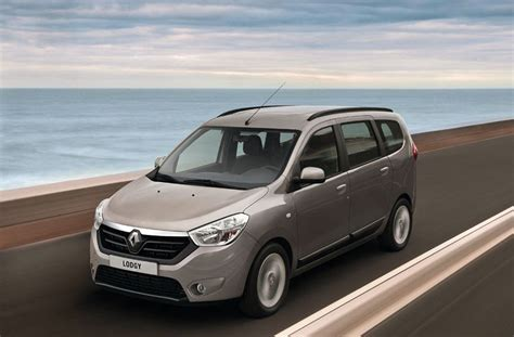 renault lodgy renault lodgy vs maruti ertiga comparison review