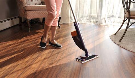 vacuum  laminate floors  reviews guide