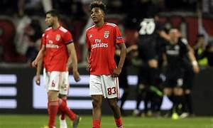 Flipboard: West Ham set for further talks with Benfica ...