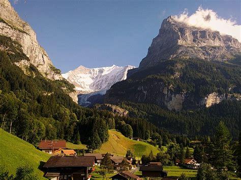Filegrindelwald View 02jpg  Wikimedia Commons