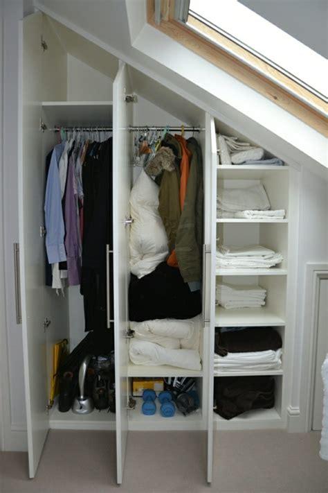Begehbarer Kleiderschrank unter Dachschräge  Ideen und