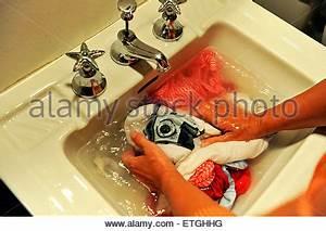 Was Heißt Waschbecken Auf Englisch : keramische badezimmer waschbecken isolierten auf wei en hintergrund stockfoto bild 82591518 ~ Yasmunasinghe.com Haus und Dekorationen