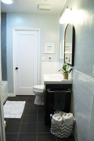 Bathroom Floor Colors by Building A New Guest Bathroom Pepper Subway Tiles