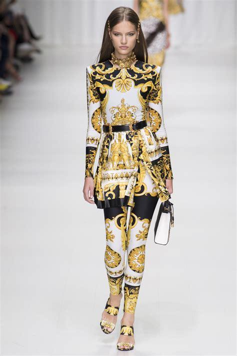 spring 2018 versace womens fashion trend